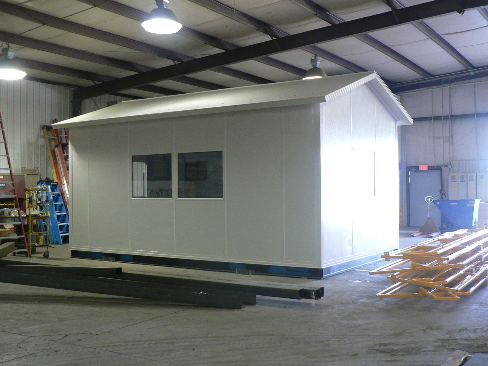 companies that sell modular office