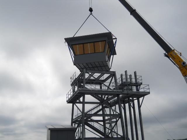 Crane-Lifting-Building